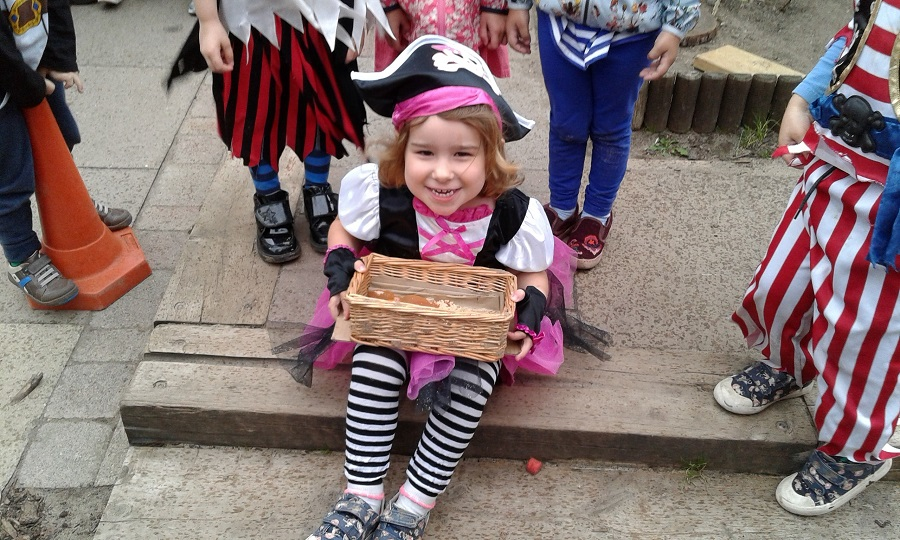 pirate girl at Stourbridge nursery