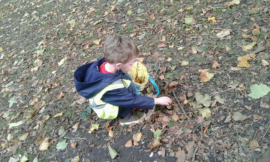 Pre-school two went on a little autumn walk to our local park in search of some crunchy leaves for us to take back to nursery with us for observation.