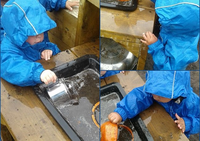 Kings Norton – Pre-Toddlers make mud pies!
