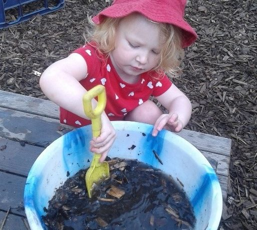 Stourbridge – Mud stick printing in Preschool 1
