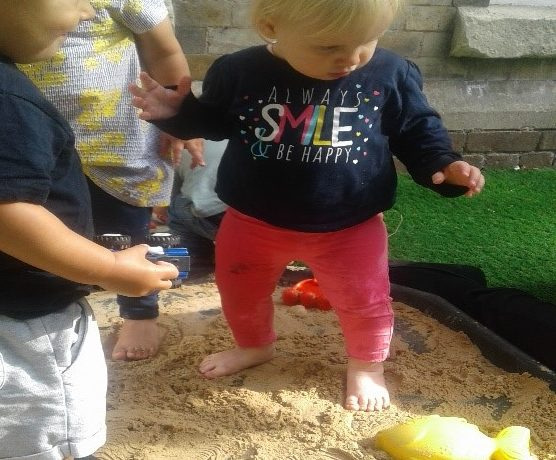 Wolverhampton – Pretoddlers at the beach