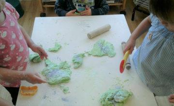 Hinckley – Playdough Magic in Preschool