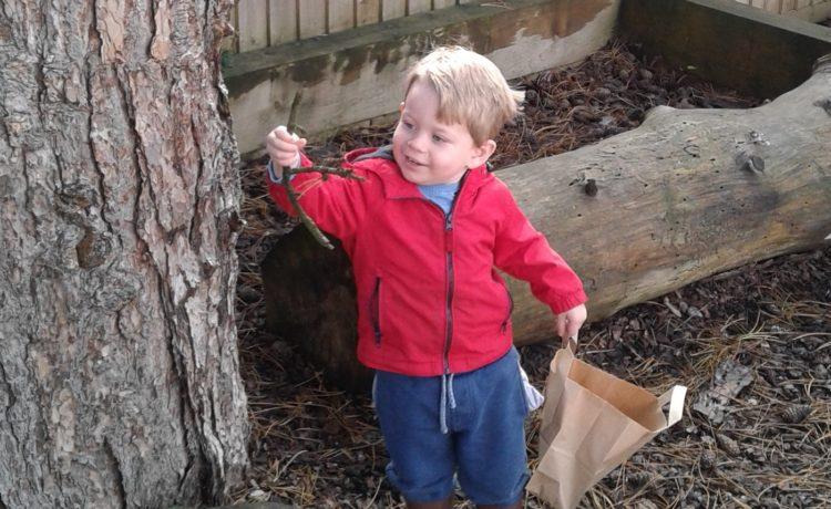 Bromsgrove – Toddlers Exploring Textures
