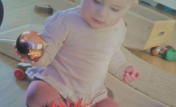 Hinckley – Babies Christmas Sensory Play