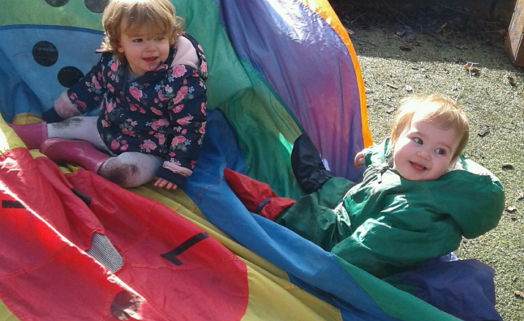 Stourbridge – Enjoying Parachute Play!