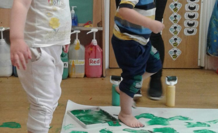 Stourbridge – Painting With Our Feet!