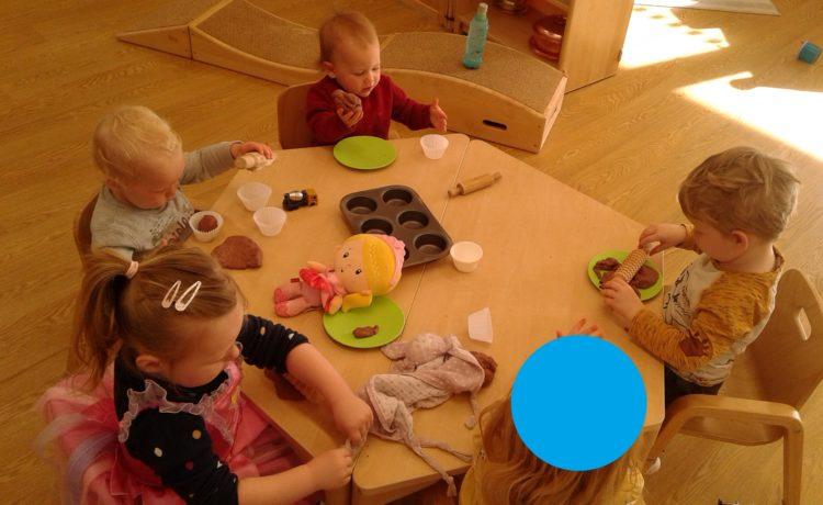 Bromsgrove – Creating Playdough Cakes!