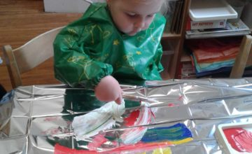 Today the children have been mixing colours together to see what new colours they could make.