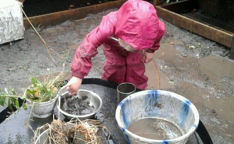 Stourbridge – Mud Kitchen Fun!
