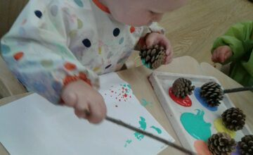 The Pre-toddlers have been using pine cones and cars to make all sorts of amazing paintings!