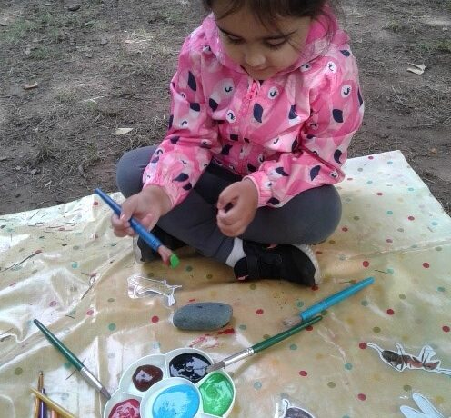 Wolverhampton – Preschool Rock Bug Painting