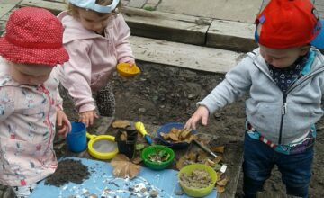 The Toddlers at Stourbridge loved exploring natural resources outdoors today!