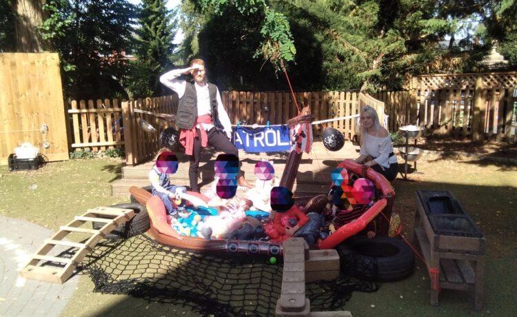 Worcester – Our pirate themed graduation party