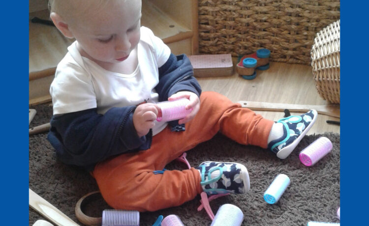Hinckley – Exploring brushes and spiky rollers